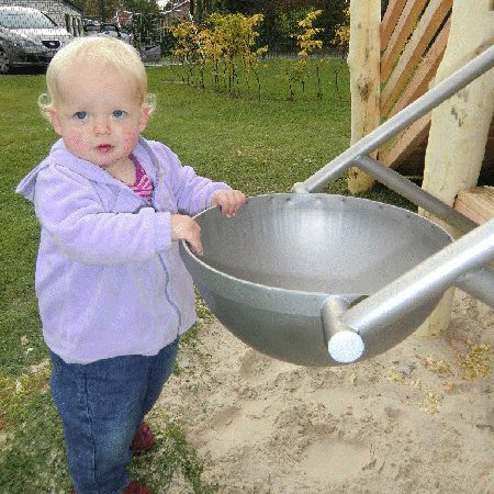 Bucket Sand Swing Complete With Stand Manufactured In Stainless Steel