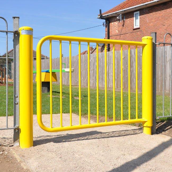 Medway Mono Hinge Self Closing Steel Gate
